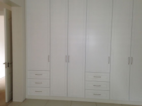 traci-arens-built-in-cupboards-wardrobe-2