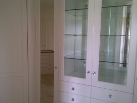 traci-arens-built-in-cupboards-wardrobe-4