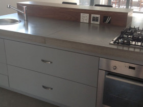 traci-arens-kitchen-grey-wood