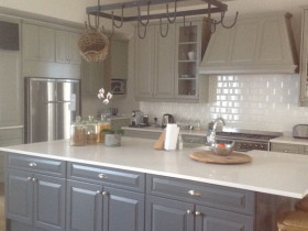 traci-arens-kitchen-greygreen-1