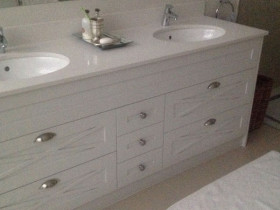 traci-arens-vanities-white-2