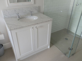 traci-arens-vanities-white-marble