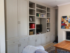 traci-arens-built-in-cupboards-green-entertaiment-unit